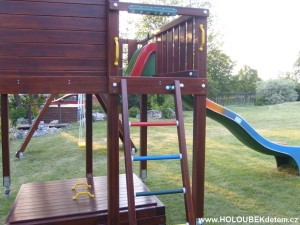 Zakázková sestava  Play House XL  s laminátovou skluzavkou a CLIMB modul s houpačkami na přání a podle návrhu zákazníka